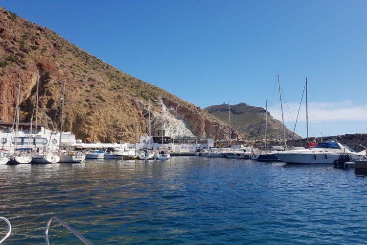 Alquiler-barcos-velero-navegar-crucero-vacaciones-Andalucia