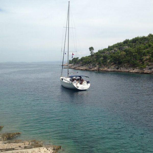 Alquiler-barcos-yate-velero-vacaciones-charter
