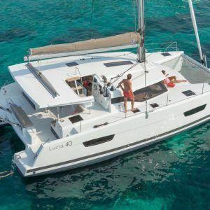 Alquiler-barco-yate-motor-catamaran-turismo-vacaciones