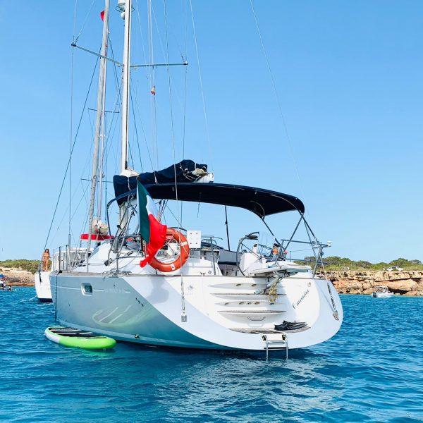 Alquiler-Velero-Denia-España-yate-lujo-vacaciones-mediterraneo