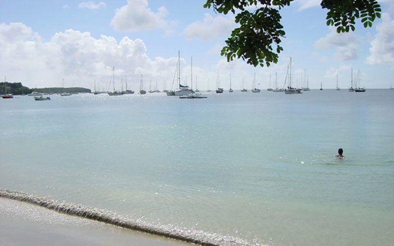 Alquiler-barco-Caribe-yate-motor-velero-catamaran-turismo-vacaciones-St-Vincent