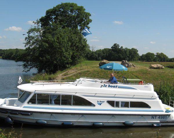 Alquiler-barcos-fluviales-turismo-fluvial-canales-rios-Francia