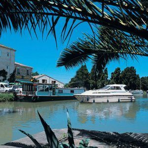 Alquiler-barcos-fluviales-turismo-fluvial-canales-rios-francia