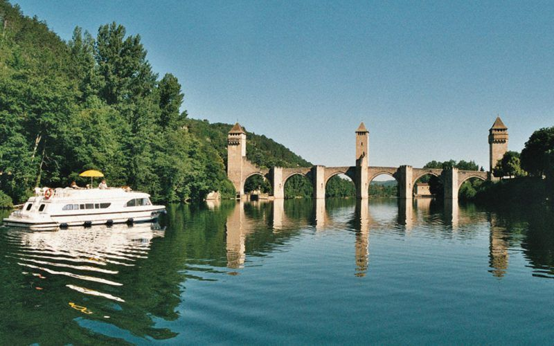 Alquiler-barcos-fluviales-turismo-fluvial-canales-francia-Lot