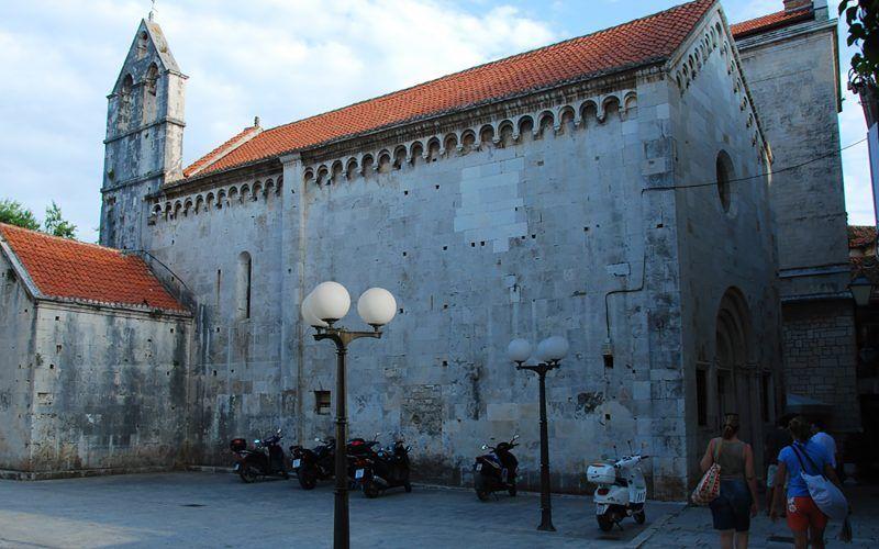croacia-pula-iglesia_8342447127_o