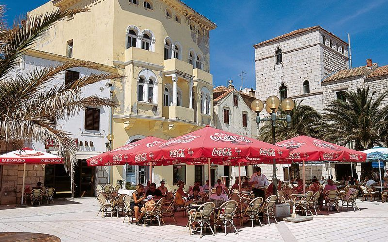 croacia-sibenik-cafe_8249969445_o