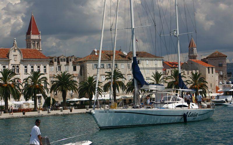 Croacia-Split-Alquiler-Goleta-barcos-yate-motor-velero-turismo-Mediterraneo