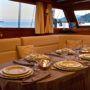 Goleta-Deriya-Deniz-Italia-comedor