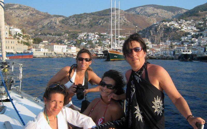 grecia--chicas_8253401646_o