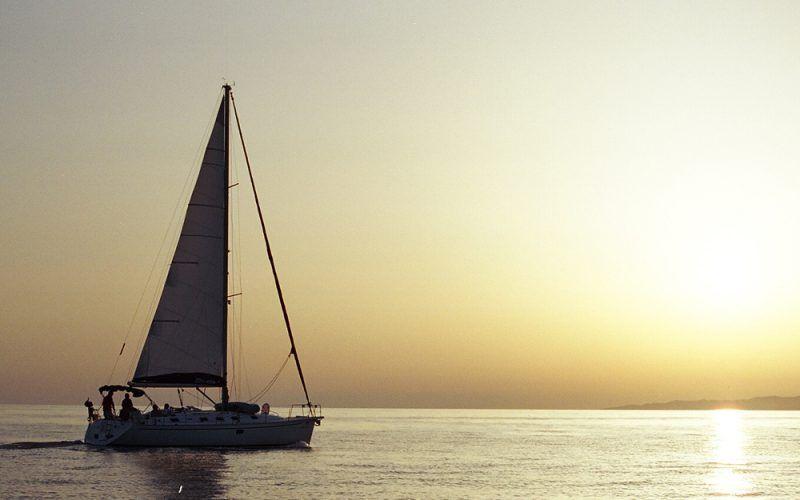 Alquiler-Barcos-Ibiza-veleros-vacaciones-Baleares-mediterrane