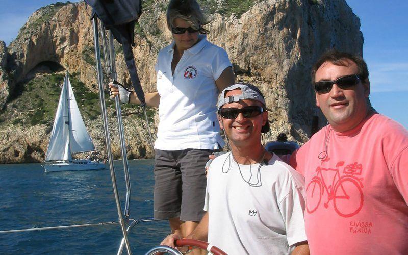 Alquiler-Denia-barcos-vacaciones-crucero-navegar-goleta-velero-catamaran