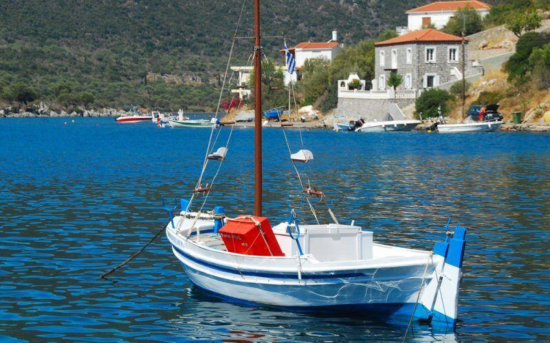 Alquiler-barcos-Veleros-Catamaran-Grecia-Lefkas-vacaciones
