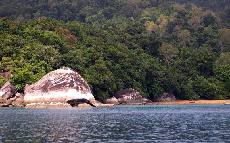 malasia-tioman-rocas_8291635373_o