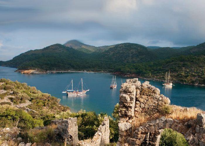 Alquiler-barcos-Turquia-Marmaris-vacaciones-crucero-navegar-goleta-velero-catamaran
