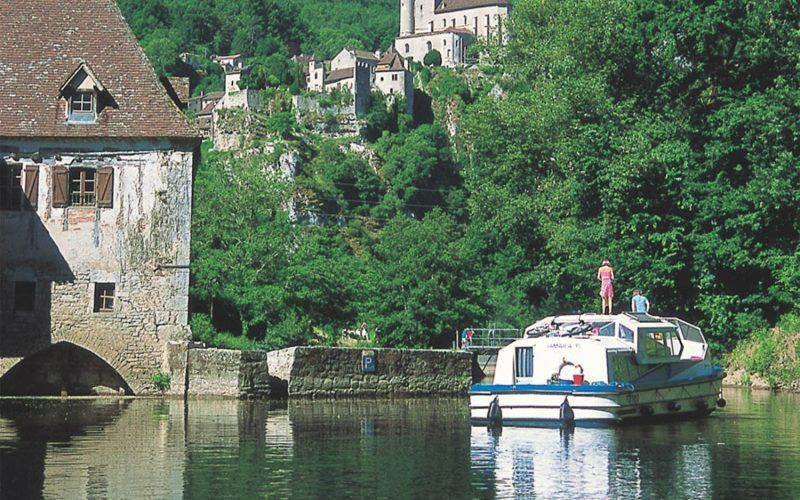 Alquiler-barcos-fluviales-turismo-fluvial-canales-rio-Lot