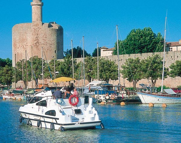 Alquiler-barcos-fluviales-turismo-fluvial-canales-rios-Belgica