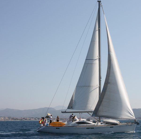 Alquiler-Velero-Baleares-España-yate-lujo-vacaciones-mediterraneo