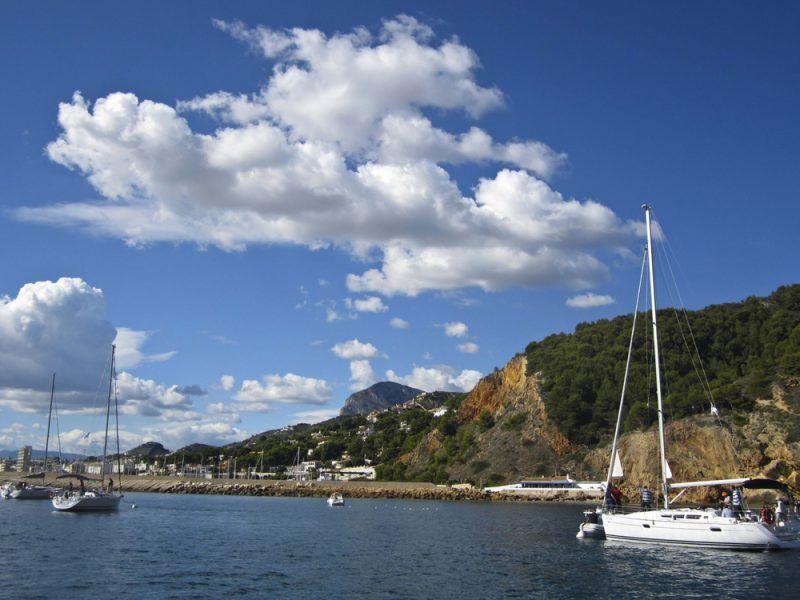 yacht-charter-aproache_14366662779_o
