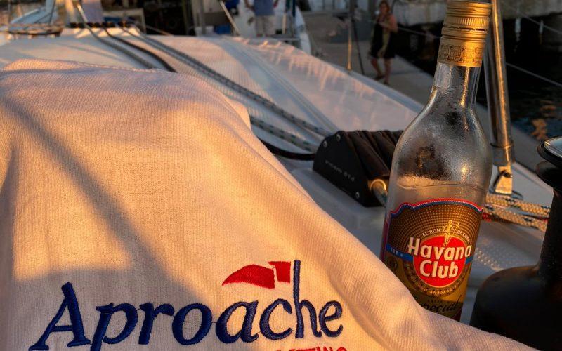 Alquiler-barco-Cuba-Caribe-vacaciones-catamaran-veleros-diversion