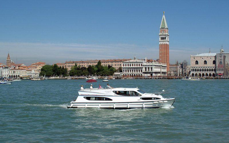 Alquiler-barcos-fluviales-turismo-fluvial-canales-rios-Italia