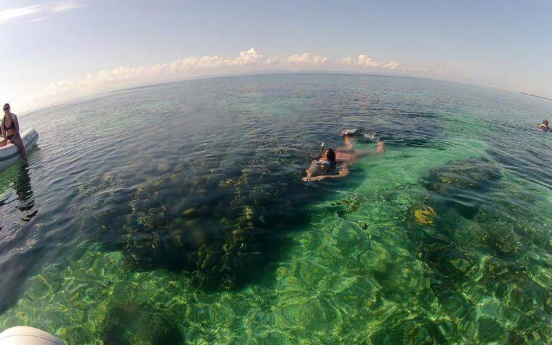 Alquiler-barco-Caribe-yate-motor-velero-catamaran-turismo-vacaciones-Belice