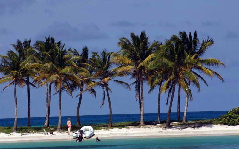 caribe-canouan-zodiac_8325543100_o