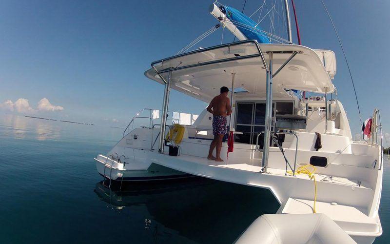 catamaran-charter-belize_8319102815_o