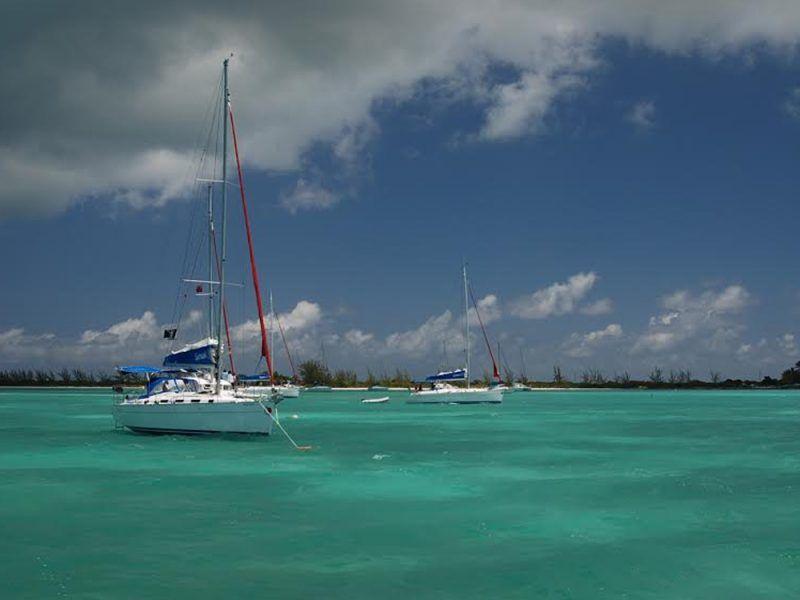 Alquiler-barco-Caribe-yate-motor-velero-catamaran-turismo-vacaciones-islas-Virgenes