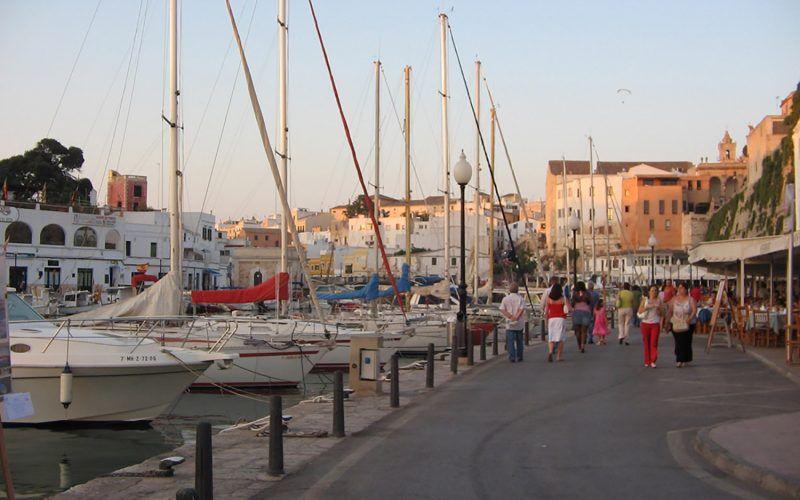 Alquiler-Barcos-veleros-vacaciones-Baleares-mediterraneo-Mallorca