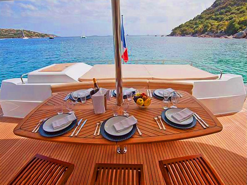 cubierta-catamaran-corcega_8486219450_o
