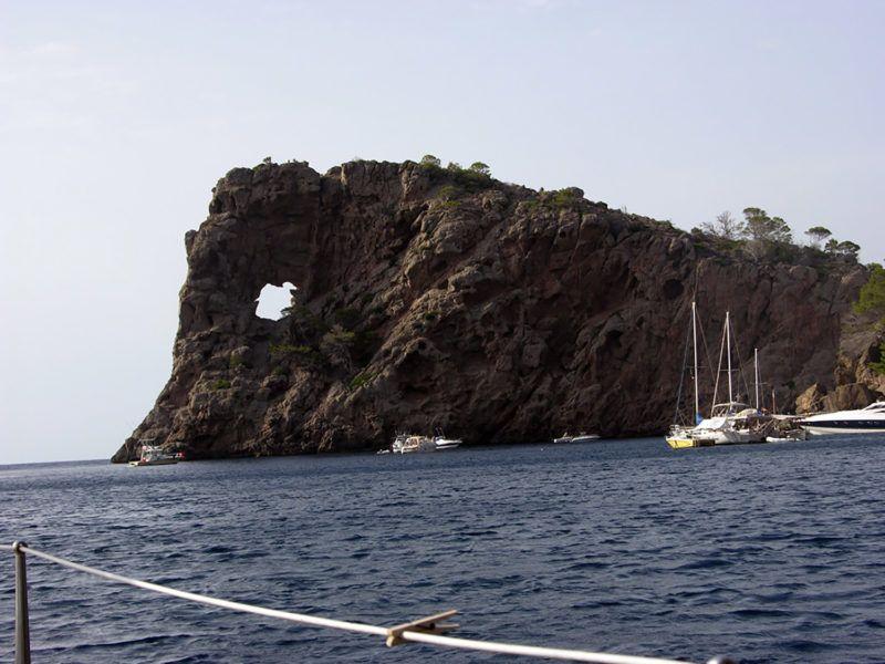 Alquiler-Barcos-Mallorca-veleros-vacaciones-Baleares-mediterrane