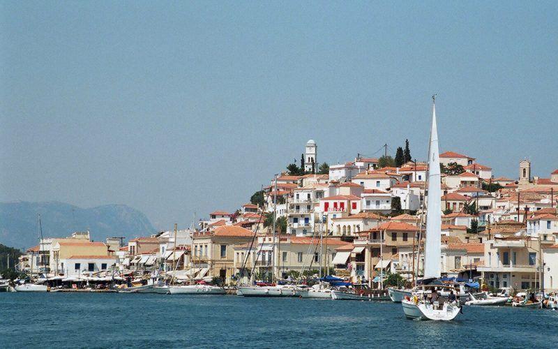 Alquiler-Grecia-barcos-yate-motor-velero-turismo-Mediterraneo