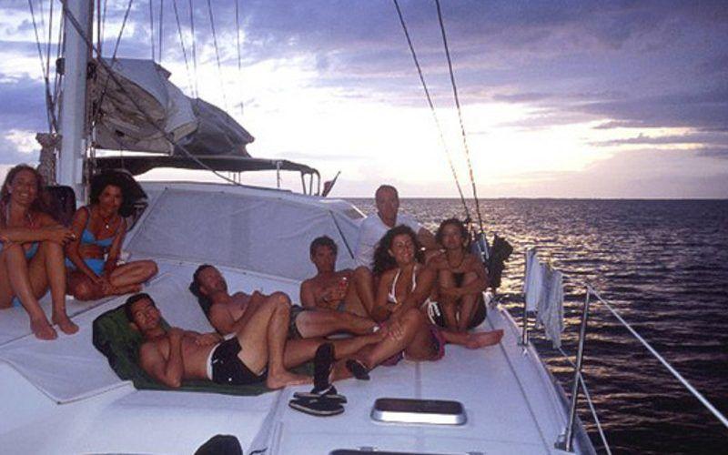 Alquiler-barco-Caribe-yate-motor-velero-catamaran-turismo-vacaciones-Cuba