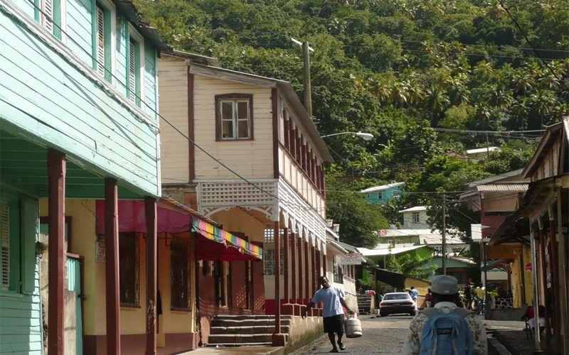 Alquiler-barco-Caribe-yate-motor-velero-catamaran-turismo-vacaciones-Granadinas