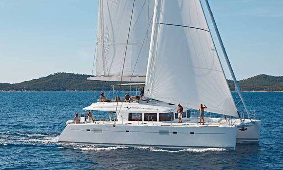 lagoon-560-catamaran-_29277972941_o