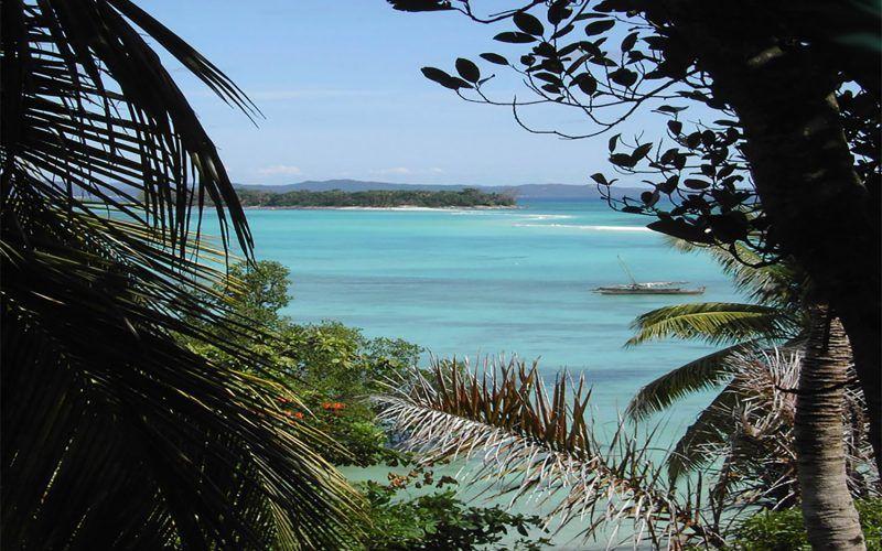 Alquiler-barcos-Madagascar-velero-catamaran-yate-motor-vacaciones-navegar