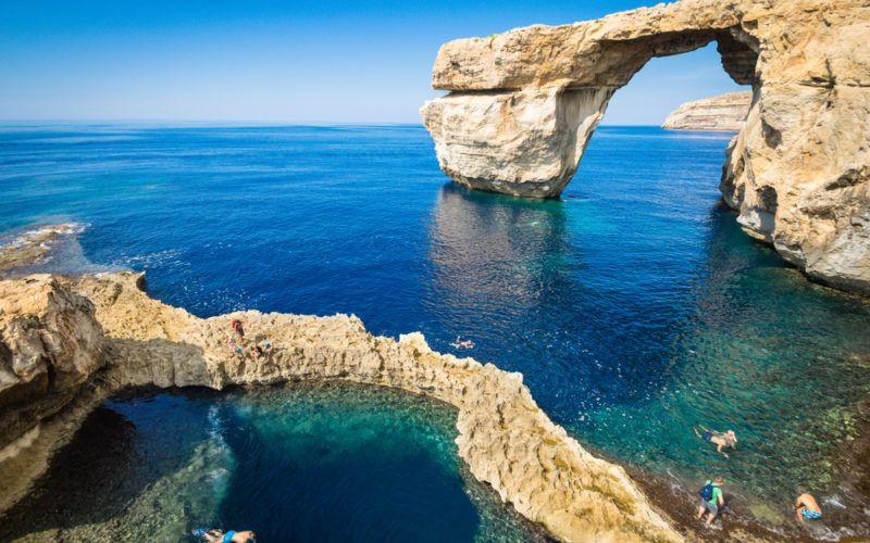 crucero-vacaciones-alquiler-malta -playa-mar-navegar-barco