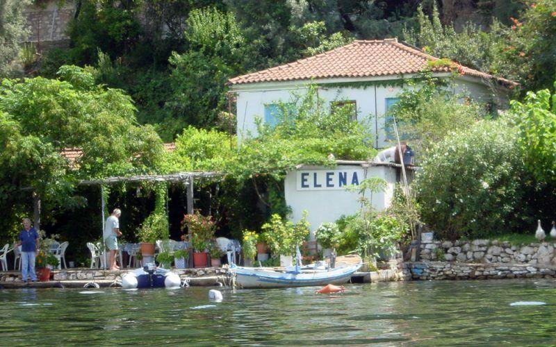 Alquiler-barcos-Esporadas-diversion-vcatamaran-Grecia-Volos