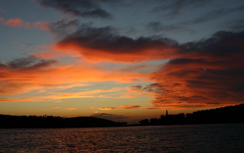 Alquiler-Grecia-barcos-yate-motor-velero-turismo-Mediterraneo-Rodas