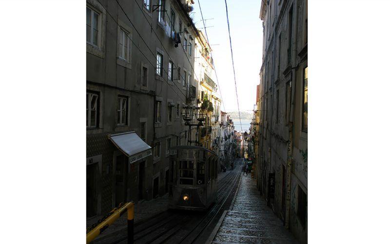 Alquiler-Barco-velero-navegar-vacaciones-mar-Lisboa