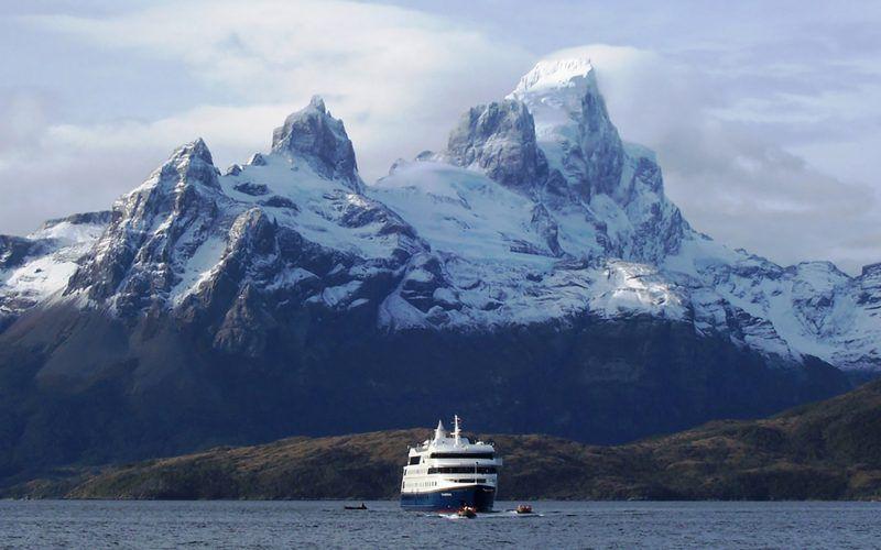 Alquiler-barcos-Argentina-Ushuaia-vacaciones-crucero-navegar-velero