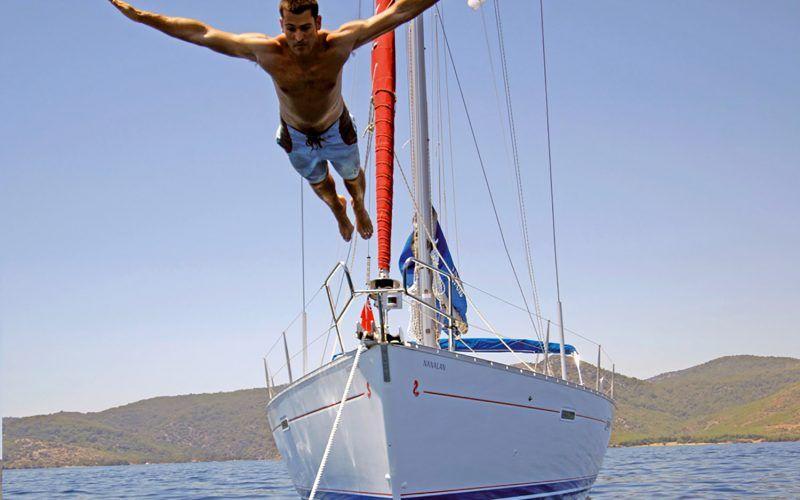 Alquiler-barcos-veleros-catamaranes-vacaciones-navegar-Canarias-España