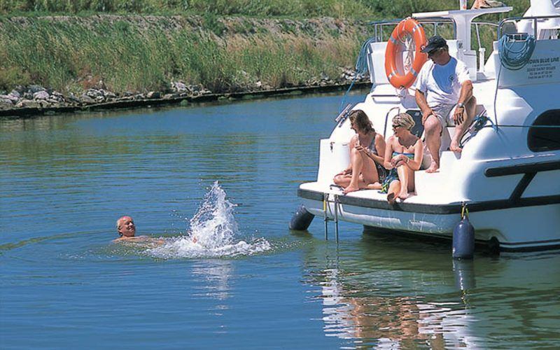 Alquiler-barcos-fluviales-turismo-fluvial-canales-Inglaterra
