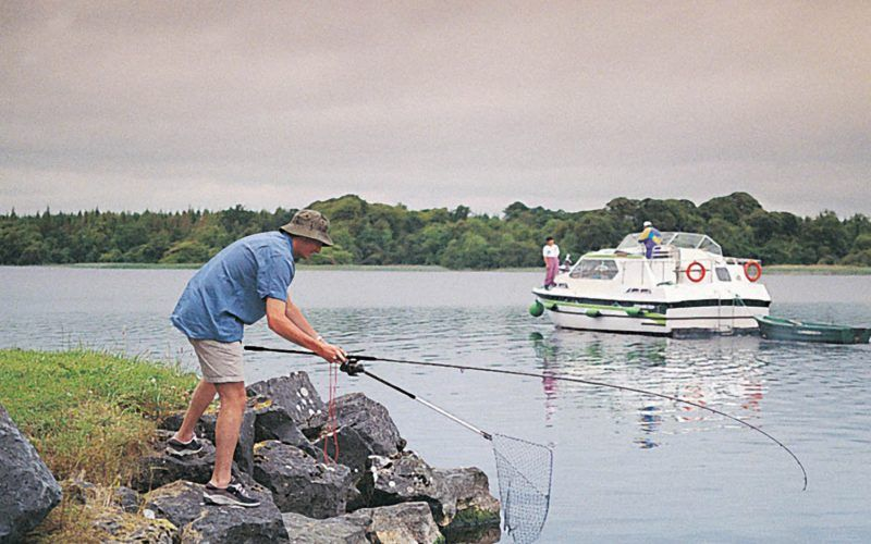 Alquiler-barcos-fluviales-turismo-fluvial-canales-Irlanda
