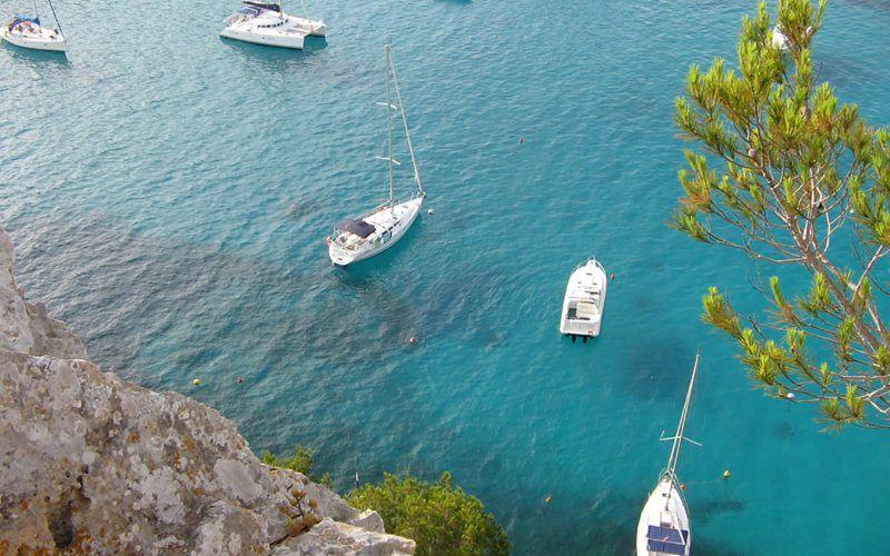 Alquiler-Barcos-veleros-vacaciones-Baleares-mediterraneo-Menorca