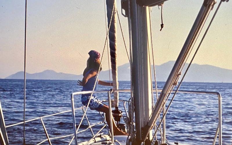 Alquiler-velero-catamaran-islas-toscanas-vacaciones-diversion