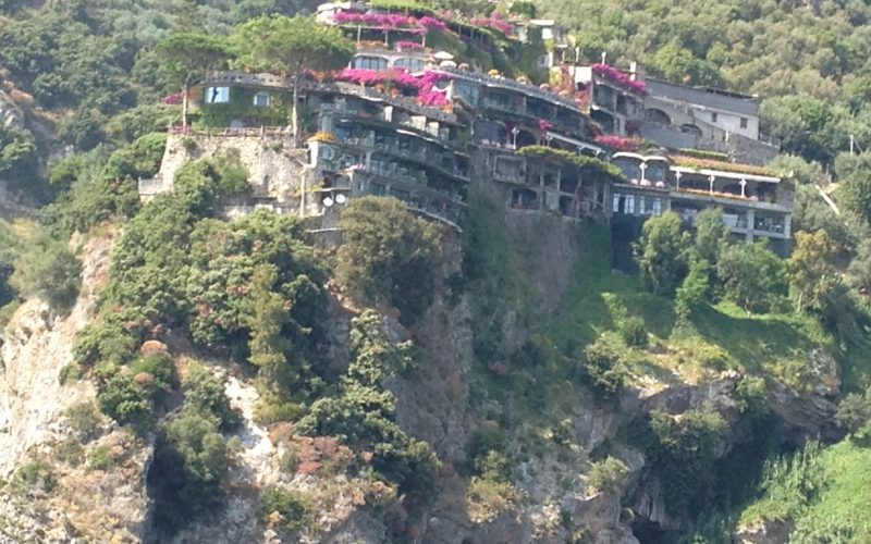 Alquiler-Barcos-veleros-vacaciones-mediterraneo-Costa-Amalfitana