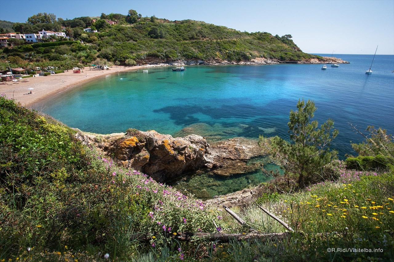 Alquiler-barcos-yate-motor-velero-turismo-Italia-Elba-Mediterraneo