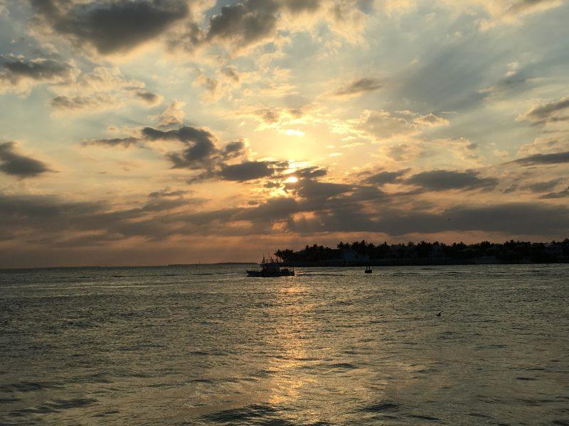 Alquiler-barcos-Estados-Unidos-vacaciones-crucero-navegar-velero-catamaran-Los-Cayos