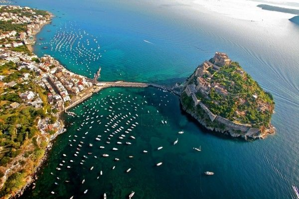 Alquiler-Goleta-barcos-yate-motor-velero-turismo-Italia-Mediterraneo